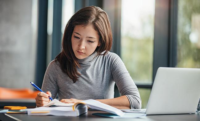 Làm nhiều bài tập sẽ cải thiện và hỗ trợ cho việc học thuộc