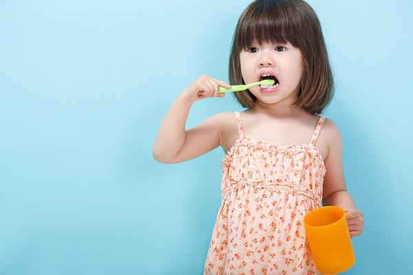 luyện não bằng việc đánh răng hàng ngày
